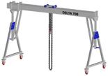 33960090 Wciągarka bramowa aluminiowa z możliwością przejazdu pod obciążeniem, z wózkiem pchanym i wciągnikiem łańcuchowym miproCrane DELTA 700H (udźwig: 1500 kg, szerokość: 5100 mm, wysokość: 2920/4220 mm)