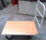 77157374 Wózek platformowy z 1 burtą rurkową (udźwig: 500 kg, wymiary: 1000x650 mm)