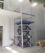Podnośnik, podest nożycowy (udźwig: 900 kg, wymiary platformy: 1800x1200mm, wysokość podnoszenia min/max: 700-3400 mm, moc: 2,3kW) 01876700